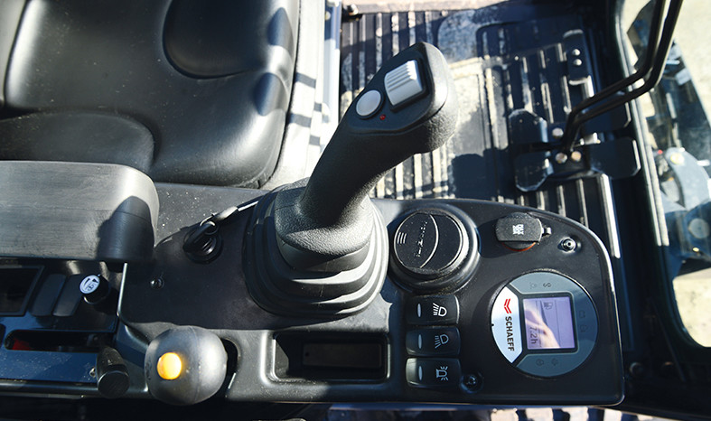 SCHAEFF TC22-2 – Pásové minirypadlo full